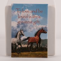 """Love to be loved"" - Magnet with horses"